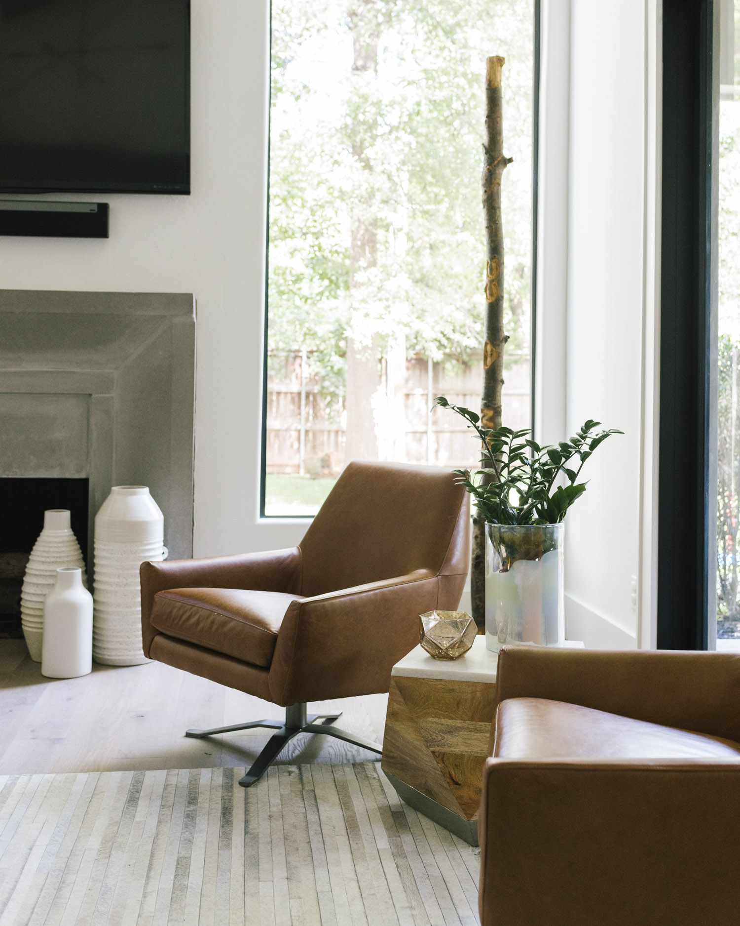 West Elm Chairs: West Elm Lucas Swivel Chair Review